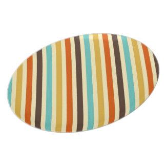 La diagonal raya rojo amarillo azul de 4 colores platos