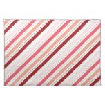 La diagonal roja y rosada raya el regalo del el dí mantel individual