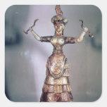 La diosa de las serpientes calcomanía cuadradas
