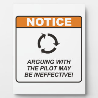 ¡La discusión con el piloto puede ser ineficaz! Placas