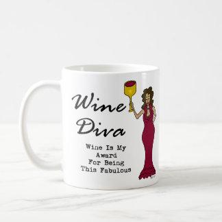 """La diva """"vino del vino es mi premio para ser fabul taza básica blanca"""