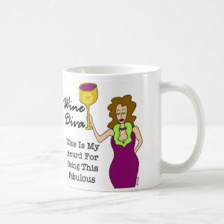 """La diva """"vino del vino es mi premio… """" taza básica blanca"""
