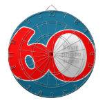 La diversión 60.a roja y el azul añaden su propio  tablero dardos