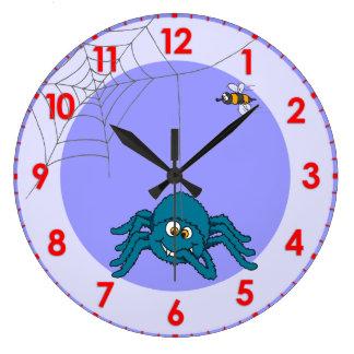La diversión embroma el reloj de pared de la araña