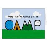 La diversión en la imagen del campo pone letras a  tarjeta