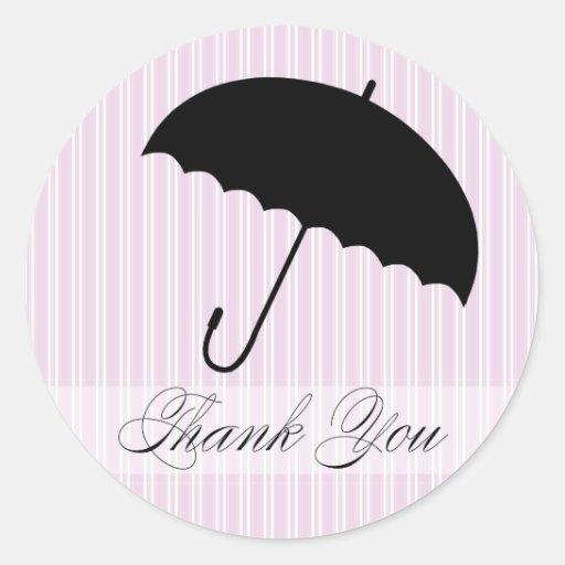 La ducha le agradece pegatina púrpura del paraguas
