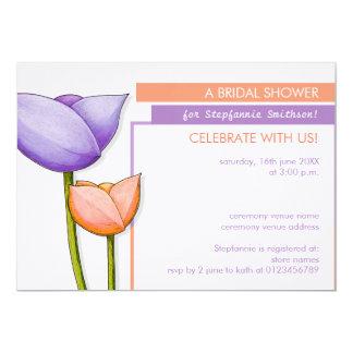 """La ducha nupcial anaranjada púrpura de las flores invitación 5"""" x 7"""""""
