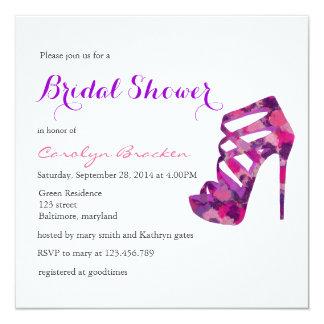 """La ducha nupcial de los tacones altos púrpuras invitación 5.25"""" x 5.25"""""""
