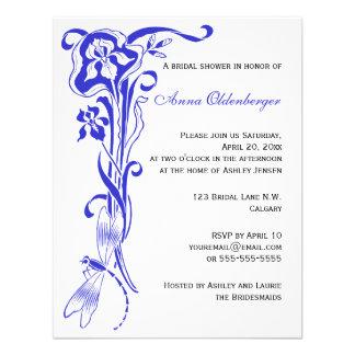 La ducha nupcial del azul real del iris y de la li invitaciones personalizada