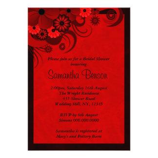 La ducha nupcial del boda floral rojo del hibisco comunicado