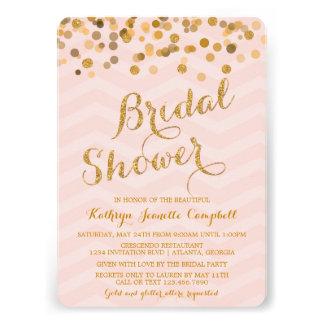 La ducha nupcial del confeti del oro que brilla in