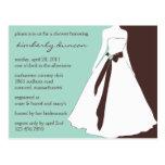 La ducha nupcial del vestido de boda invita postal