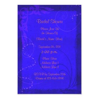"""La ducha nupcial floral azul eléctrica invita invitación 5"""" x 7"""""""