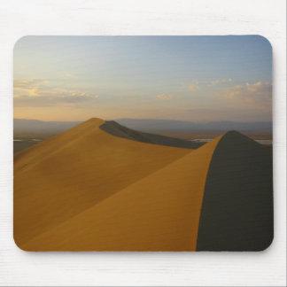 La duna de Altynemel Alfombrillas De Raton