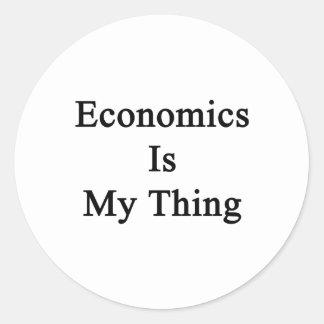 La economía es mi cosa pegatina redonda