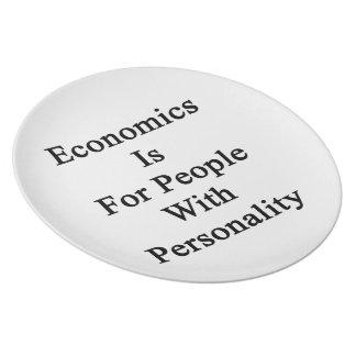 La economía está para la gente con personalidad plato de comida