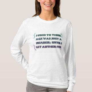 """La """"edad es apenas un número,"""" camiseta de las"""