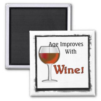 La edad mejora con el imán (rojo) del vino