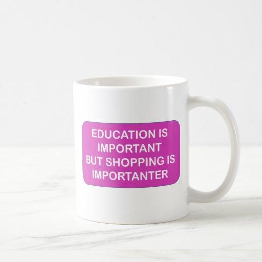 La educación es compras de la importación es taza