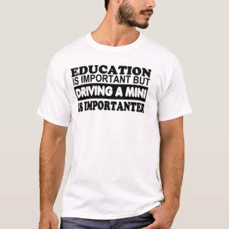 La educación es importante pero de conducción de playera