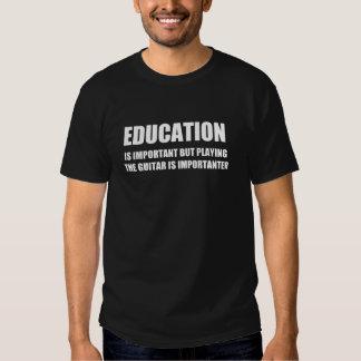 La educación es importante pero que toca la playeras