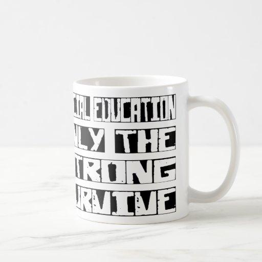 La educación especial sobrevive taza básica blanca