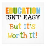 La educación lo vale anuncio personalizado