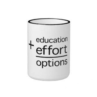 La educación más esfuerzo iguala opciones taza de dos colores
