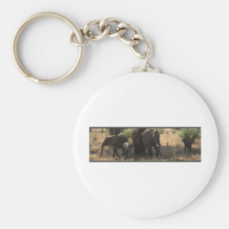 La elegancia del elefante llavero redondo tipo pin