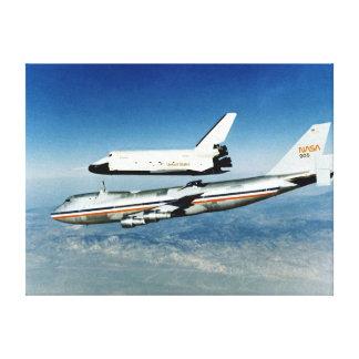 La empresa del transbordador espacial sube de NASA Lona Estirada Galerias
