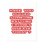 ¿La enfermedad alguien de Crohn de lucha abrazado? Tarjeta Postal