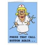 La enfermera enojada cansó del botón acuciante pac felicitación