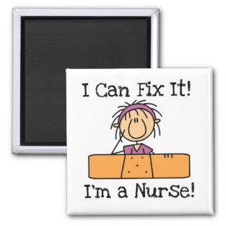 La enfermera I puede fijarlo las camisetas y los r Imán Cuadrado