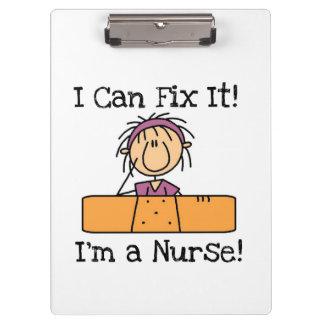 La enfermera I puede fijarlo tablero