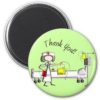 """La enfermera """"le agradece"""" los regalos imán redondo 5 cm"""