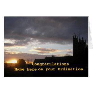 La enhorabuena en personalizar de la ordenación añ felicitaciones