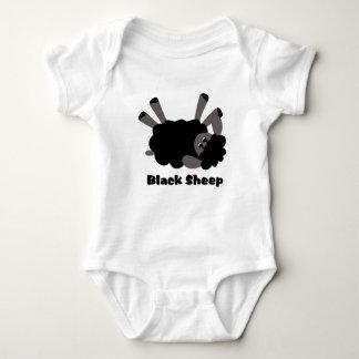 La enredadera del niño de las ovejas negras tee shirt