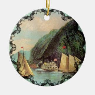 La entrada al ornamento del vintage de las montaña adorno de navidad