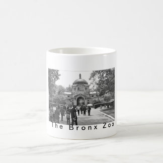 La entrada del parque zoológico de Bronx Tazas De Café