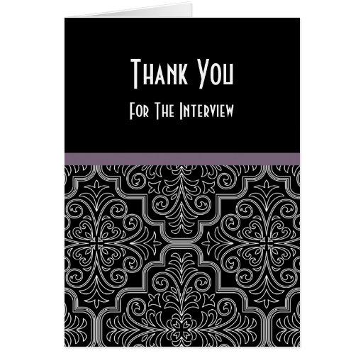 La entrevista formal le agradece cardar tarjeta pequeña