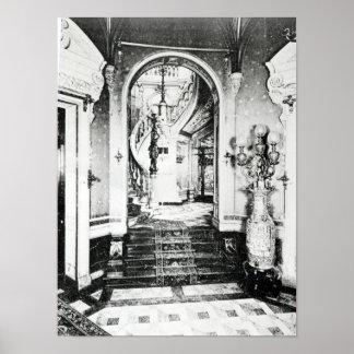 La escalera del vestíbulo y del ónix póster