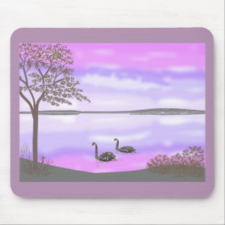 La escena hermosa de la puesta del sol del lago de alfombrillas de ratones