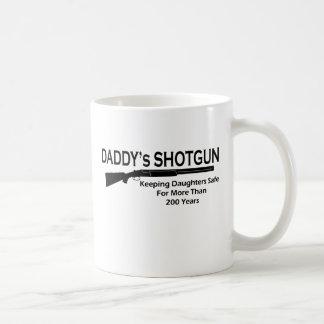 La escopeta del papá taza básica blanca