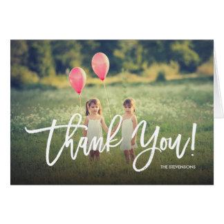 La escritura de moda le agradece foto de tarjeta de felicitación