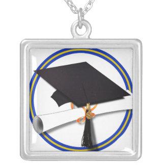 La escuela colorea el casquillo w/Diploma del Colgante Cuadrado