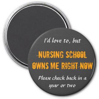 La escuela de enfermería me posee los imanes
