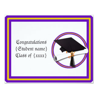 La escuela de la graduación colorea púrpura y el comunicado personalizado