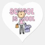 La escuela del chica es fresca pegatina de corazon