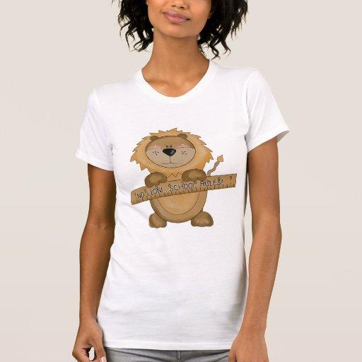 La escuela del león gobierna las camisetas y los