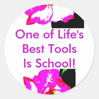 La escuela es el pegatina de la herramienta…